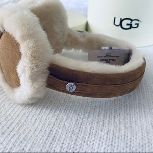 NEW ❄️ UGG GENUINE DYED SHEARLING EARMUFFS